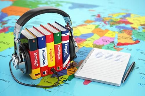 Junique specjalizuje się tłumaczeniach we wszystkich Europejskich językach, tłumaczenia zwykłe, biuro tłumaczeń poznań